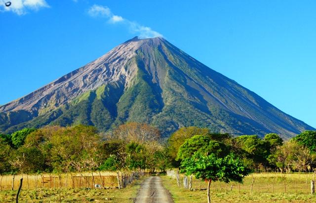 El volcán activo de Concepción de Ometepe