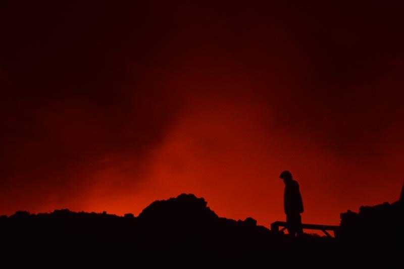 El volcán ilumina la noche congoleña