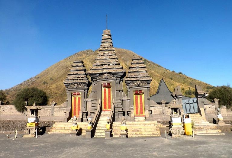 El templo de Pura Luhur Poten