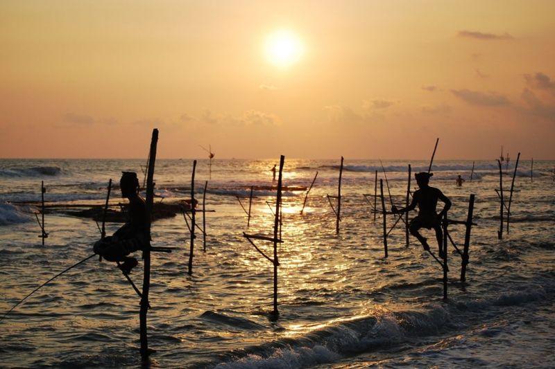 Foto de Ruta por Dos paraísos en uno practicando la pesca