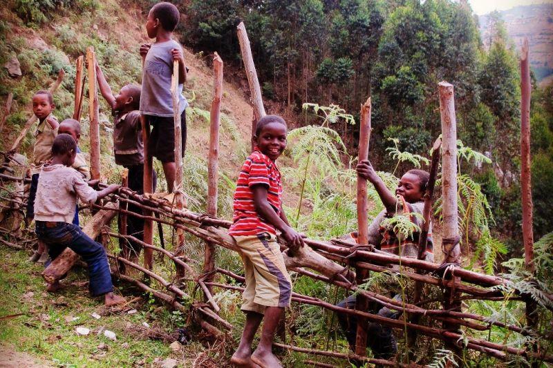 Foto de Ruta por El corazón de Africa Niños jugando