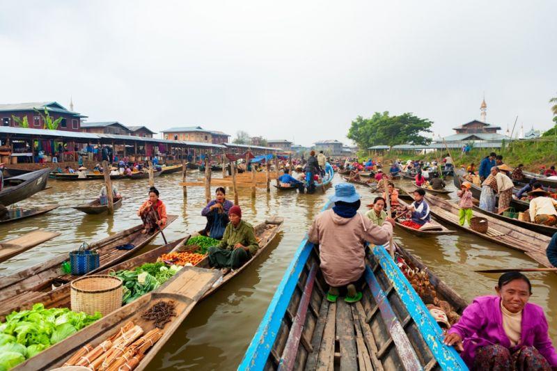 Foto de Ruta por El rincón oculto de Asia Mercado flotante en el lago Inle