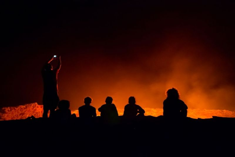 Foto de Ruta por El volcán Erta Ale y la depresión de Danakil Mirando al volcan