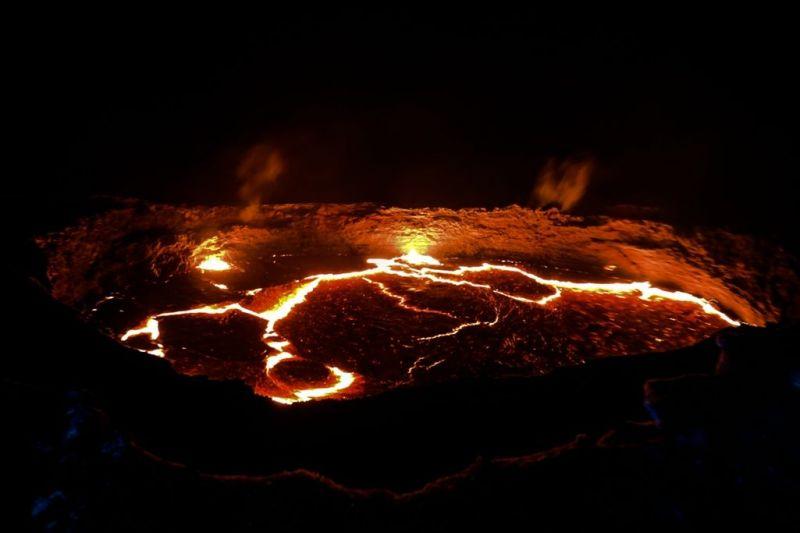 Foto de Ruta por El volcán Erta Ale y la depresión de Danakil Segundo volcan
