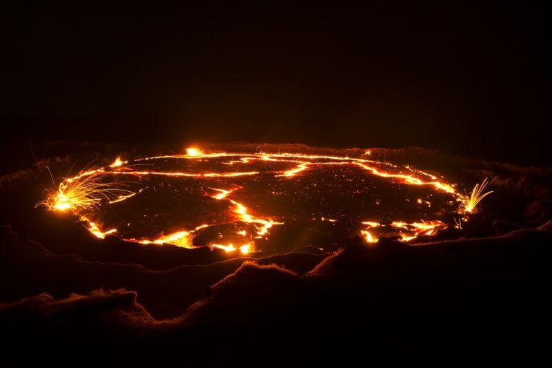 Foto de Ruta por El volcán Erta Ale y la depresión de Danakil Volcan y fuego