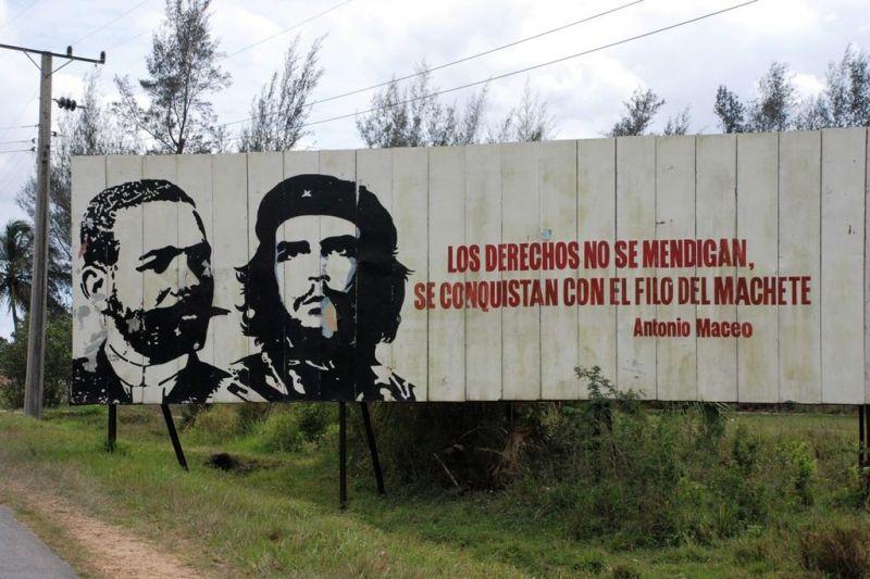 Foto de Ruta por En coche por el Caribe Cartel Pro Revolución
