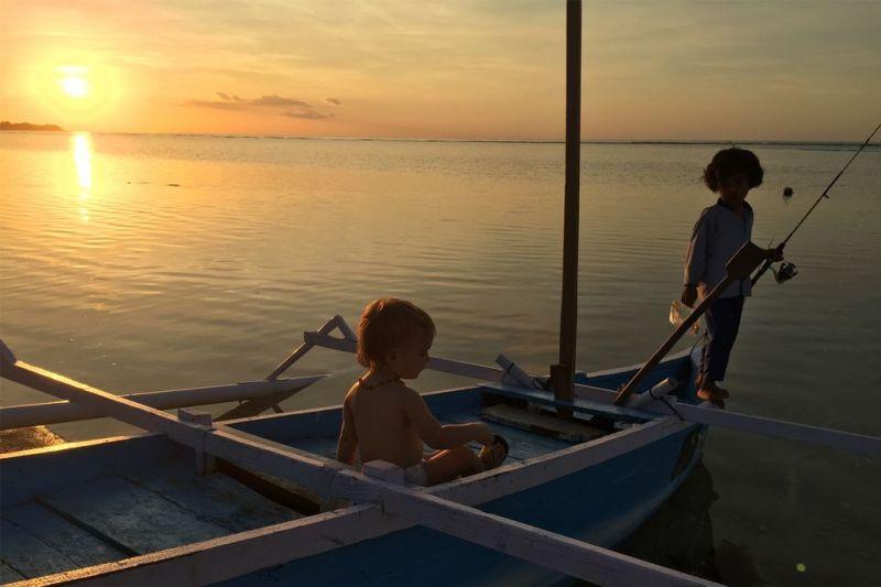 Foto de Ruta por Indonesia en familia Aprendiendo a pescar
