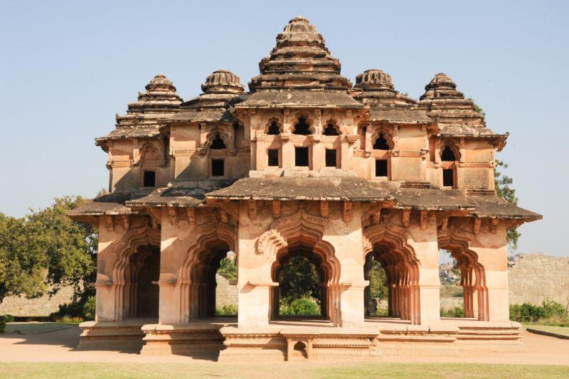 Foto de Ruta por La India menos conocida palacio en ruinas