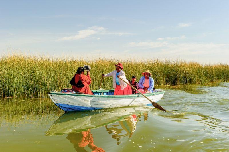Foto de Ruta por La perla andina En barca por el Lago Titicaca