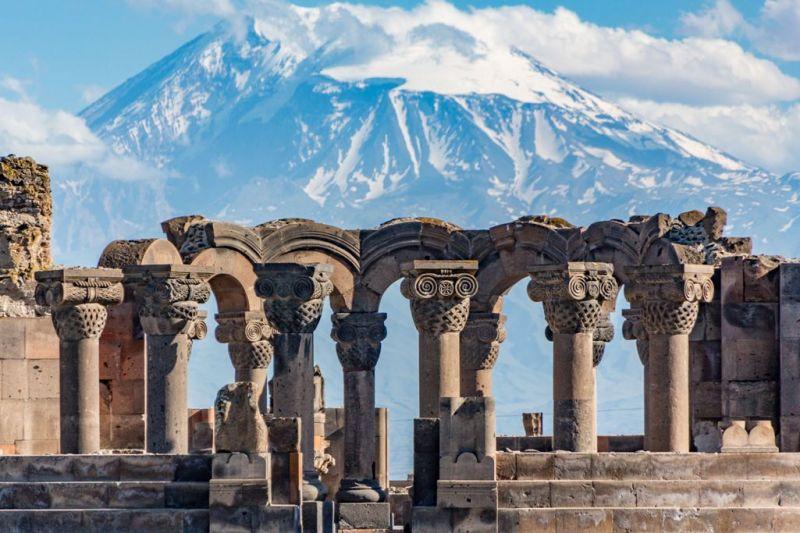 Foto de Ruta por La ruta de los monasterios  Ruinas del monasterio Zvartnos