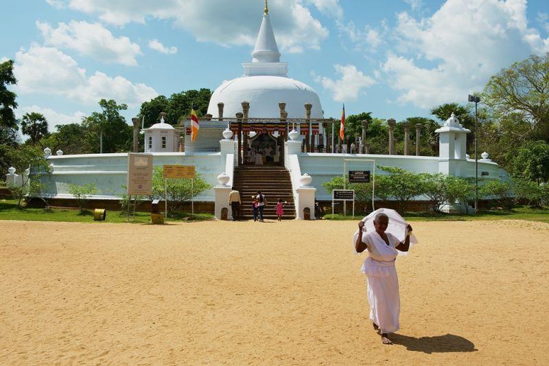 Foto de Ruta por Las joyas del Indico pagoda blanca