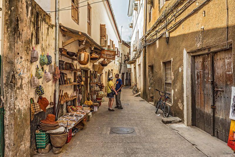 Foto de Ruta por Las perlas de Tanzania Calle de Stone Town