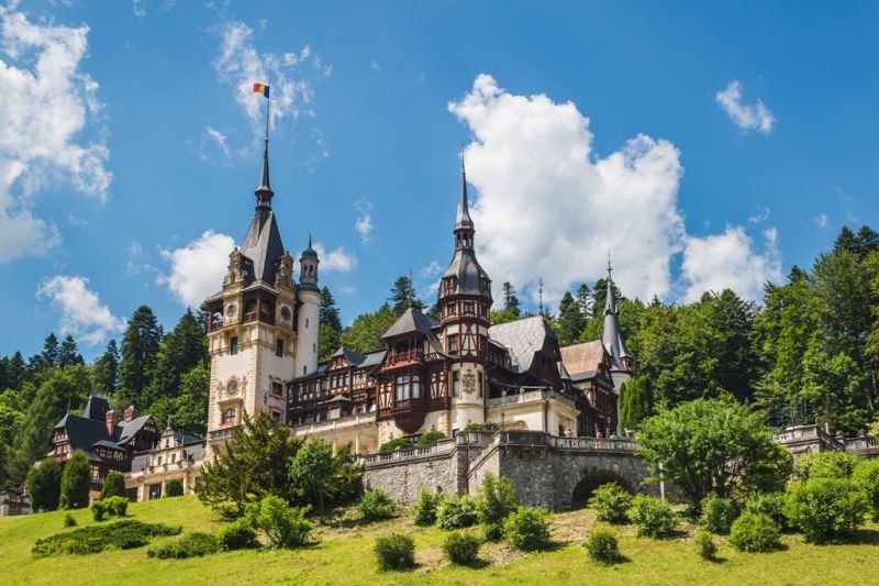 Foto de Ruta por Los dominios de Drácula fantastico castillo de peles