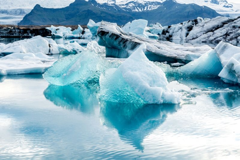 Foto de Ruta por Naturaleza Artica iceberg flotante Jokulsarlon