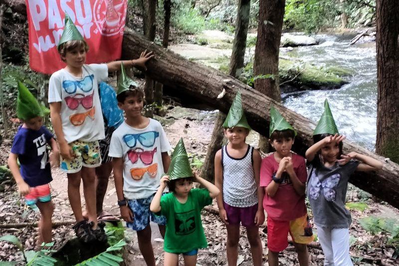 Foto de Ruta por Tailandia en Familia Jugando en la selva